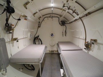The hypobaric chamber at Simon Fraser University. Photo credit: Andrew Gillatt/Cicada Studio