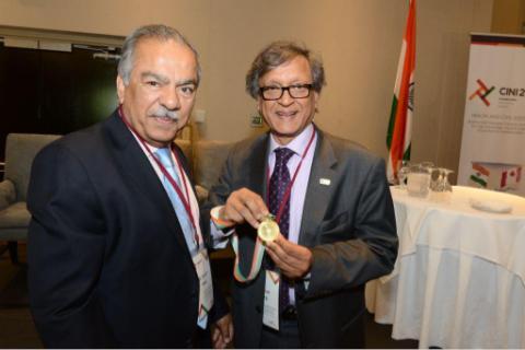 (L-R) Dr. Sunil Patel and Dr. Arun Garg
