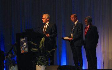 Dr. Larry Goldenberg making his award speech at the 36th Congress of Société Internationale d'Urologi